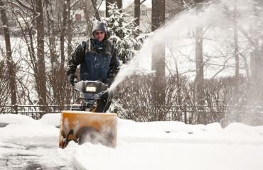 5 dobrých rád pred kúpou snežnej frézy alebo ako predísť zbytočnej námahe pri odpratávaní snehu